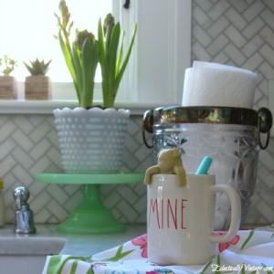 Eclectically-Vintage-Kitchen-button