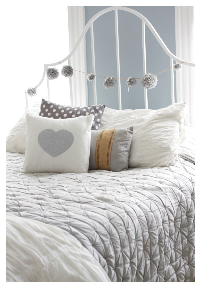 Easy DIY Sparkle Heart Pillow   Love of Home