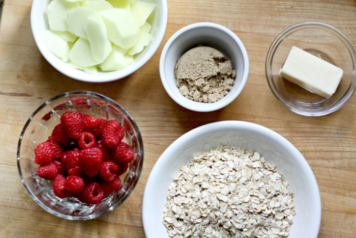 Ingredients for Apple Raspberry Crips.