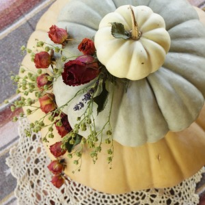dried-floral-pumpkin-tiered-centerpiece-cassie-bustamante