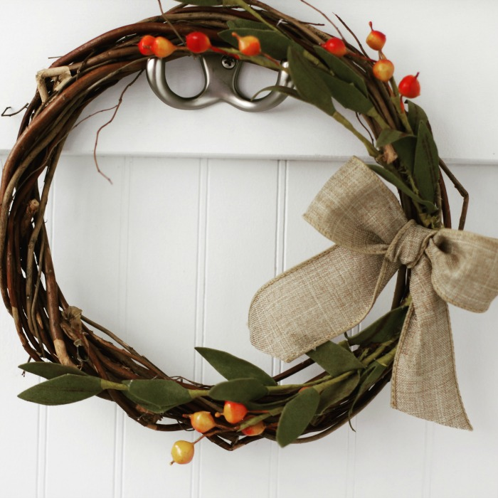 Easy 10 MInute Wreath.
