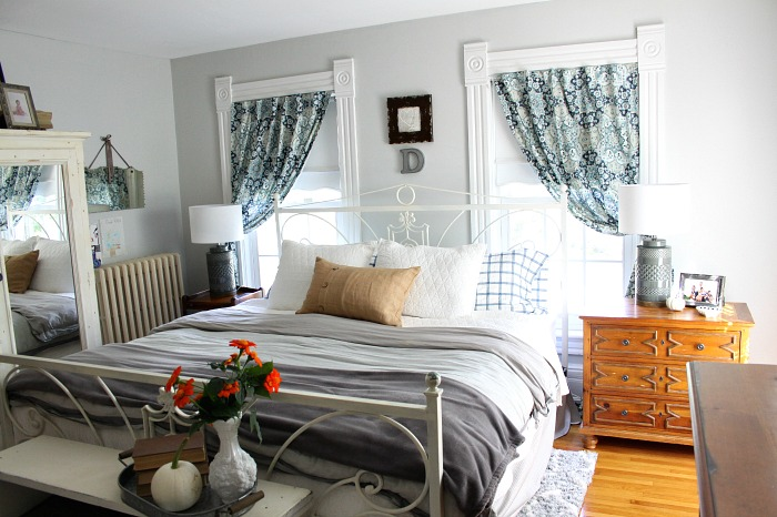 fall-bedroom-cozy-home-love-of-home