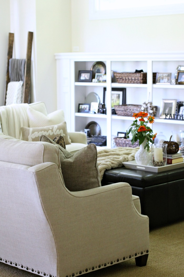 love-of-home-fall-family-room