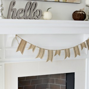 DIY Burlap Banner- 10 Minute Decorating