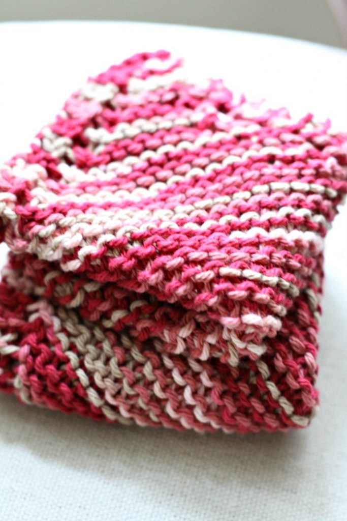 dishcloth-knitted-yarn-homemade