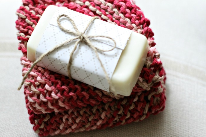 homemade-soap-gifts-holiday-essential-oils