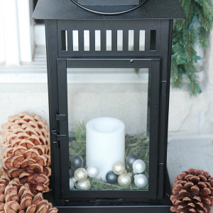 10-minute-christmas-lantern-decor-1