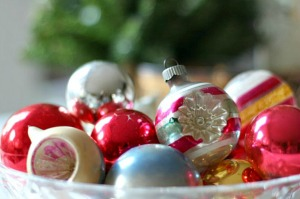 christmas-ornaments-bowl-300