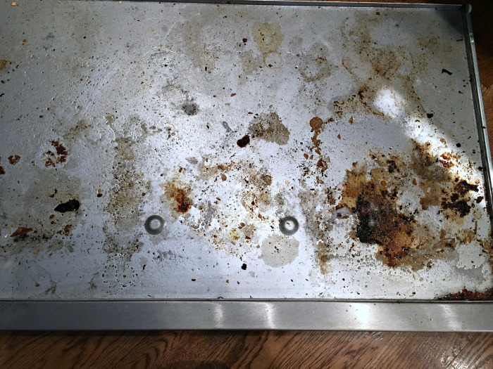 tray-before-cleaning-with-thieves