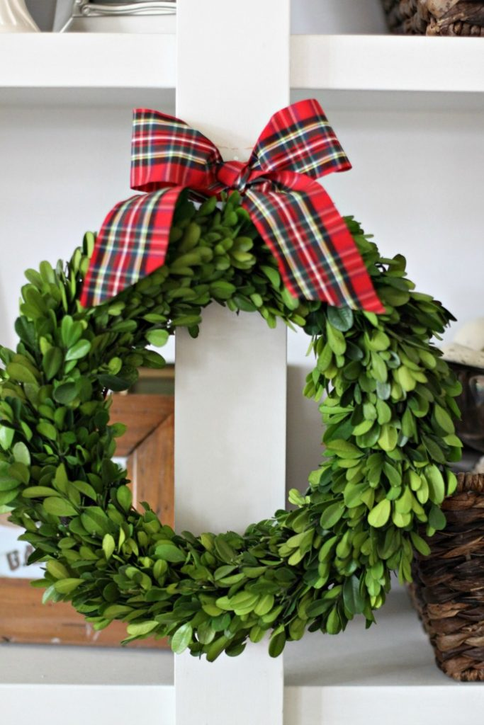 wreath-boxwood-holiday